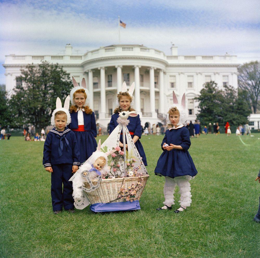 White House Easter Egg Roll, April 3, 1961 [JFKWHP-KN-C17388]